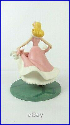 Disney WDCC 4021811 Cinderella Isnt it Lovely Do You Like it withCOA
