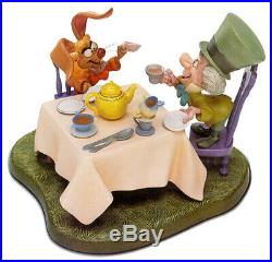 Disney WDCC ALICE IN WONDERLAND Mad Hatter A VERY MERRY UNBIRTHDAY! COA MINT