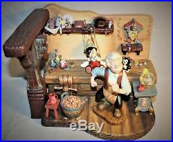 WDCC DISNEY Pinocchio Geppettos Workbench The Finishing Touch LIMITED RARE