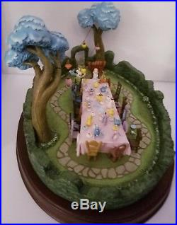 WDCC Enchanted Places Alice in Wonderland -A Tea Party in Wonderland