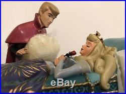 WDCC Sleeping Beauty Phillip & Aurora Love's First Kiss Numbered LE NIB withCOA