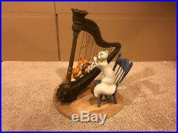 WDCC The Aristocats Duchess & O'Malley Plucking the Heartstrings + Box/COA