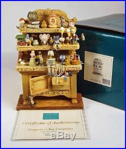 Walt Disney Classic Collection Figurine Geppetto's Toy Creations, Pinocchio